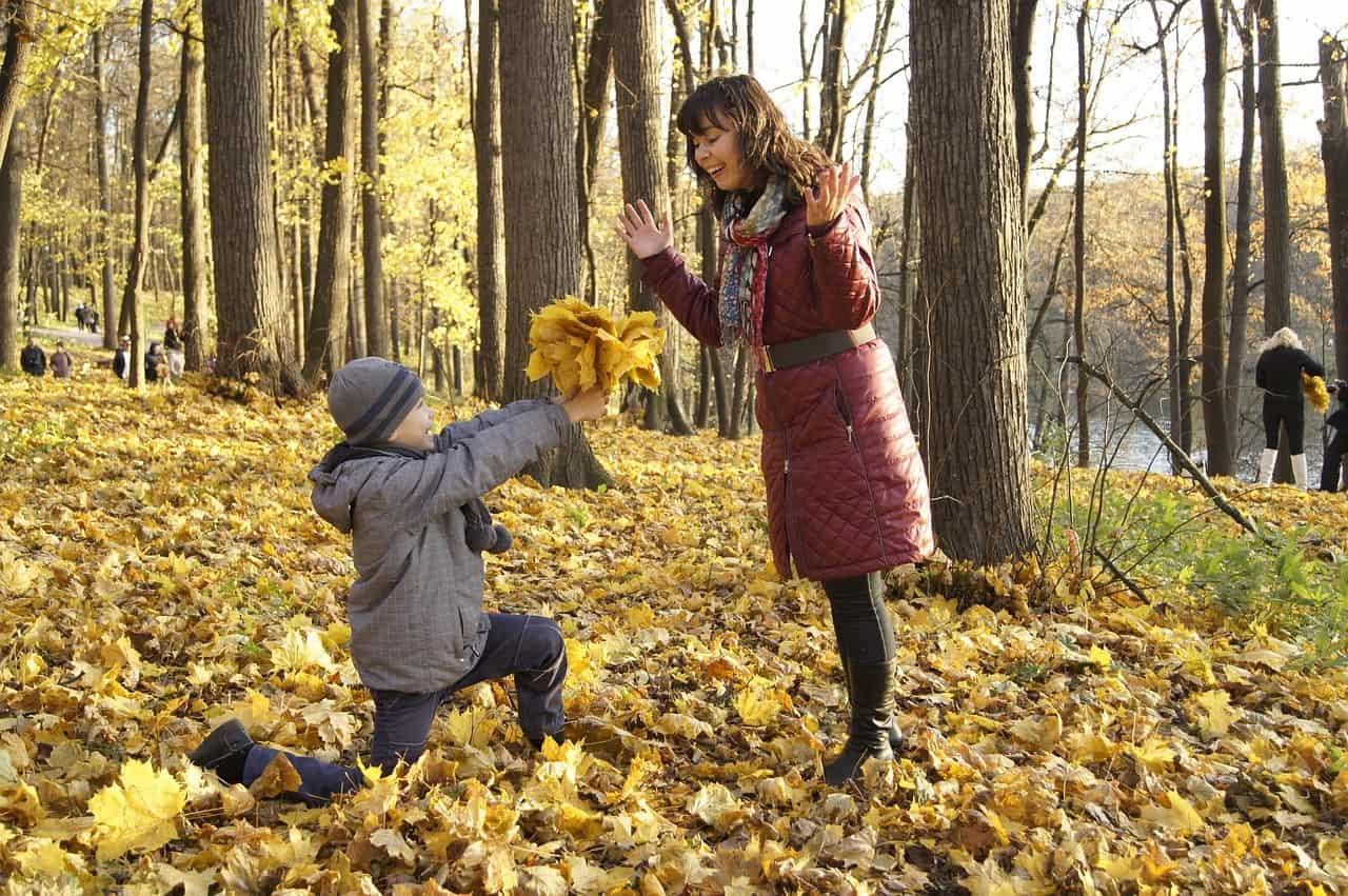 child autumn mother