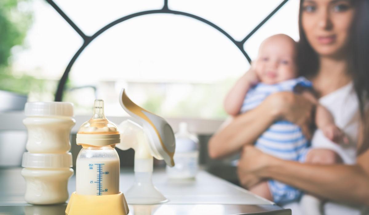 mom baby bottle