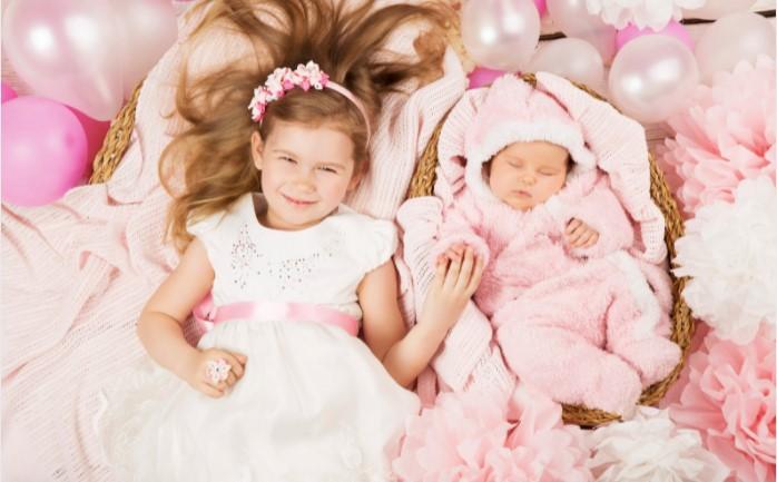 siblings baby newborn