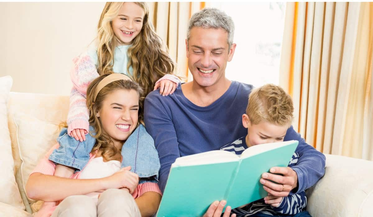 dad reading for kids