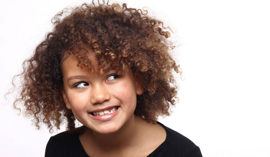 chin length curly hair